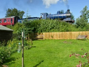 Cottage to rent, great for trainspotters and kids